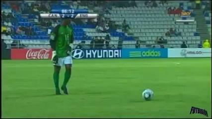 Вратар вкарва изравнителния гол в мача !