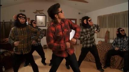 Bruno Mars-the lazy song (официално видео)