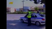 Полицай спира моторист - Смях