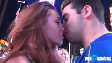 Как да целуваме момичета с ези-тура