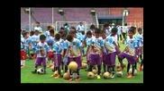 Диего Марадона зарадва над 2000 хлапета в Индонезия