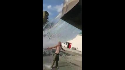 Такъв Ice Bucket Challengе не сте виждали !!