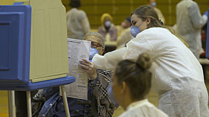USA: Locals queue to vote in Wisconsin primaries despite coronavirus pandemic