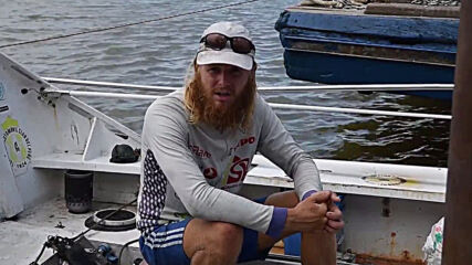 Malaysia: Rower stuck at dock unable to finish round the world tour due to COVID restrix.