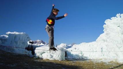 Супер забавление върху въже сред ледени замъци - Slacklining, Fire & Ice ..