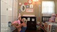 Майка тренира всяка сутрин с бебето си