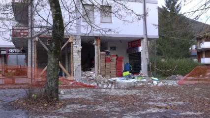 Italy: Officials assess damage after powerful quakes