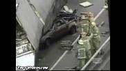 Инцидент - човек затиснат под камион