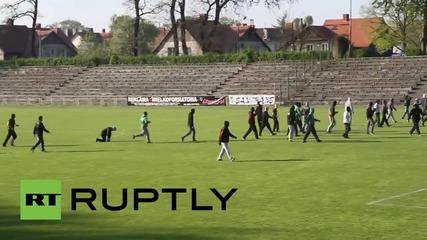 Един убит в Полша след полицейска стрелба с гумени куршуми по футболни фенове