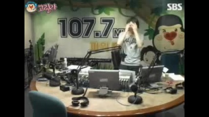 100920 Young Street Heechul We Are The Future ( H.o.t ) dance