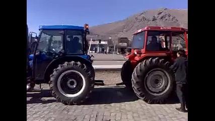 Ето така ги изпробват тракторите...(смях)