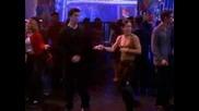 Приятели - Рос и Моника  Танцуват Идиотски Смешно