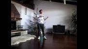 Sam Zakharoff показва як Tecktonik Electro Dance + popping