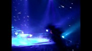 Много въздействащо изпълнение! Justin Bieber - Down To Earth ( Manchester Live )