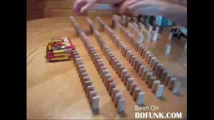 Cool Domino Stacking Machine