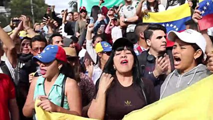 Ecuador: Venezuelans celebrate as Quito recognises Guaido as interim