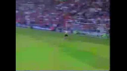 Beckham - Half line goal