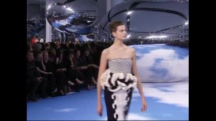 """В обектива: """"Диор"""" в облаците"""", Седмица на модата в Париж"""