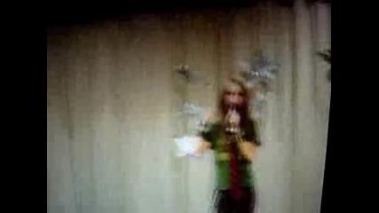 10 - Годишно Момиченце Пее Sk8er Boi На Аврил