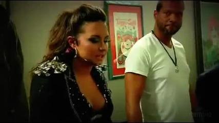 Demi Lovato Zad Kadyr Na nein koncert - Nachalo