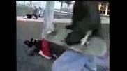 Негодни скеитъри се бият