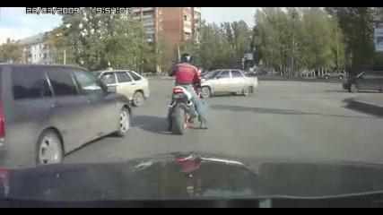 Руснаци се шамарят на светофар (луд смях)