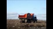 Урал 375 vs Уаз Titan Kamion лесовоз