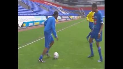 Jay Jay Okocha - Reverse Flick / Over Ossie Flick