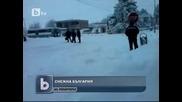 Ненормален българин скача гол в снега !