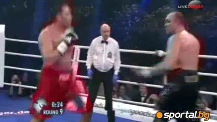 Кобрата нокаутира гиганта Устинов и вече чака Кличко (видео + Галерия)кобрата!!!