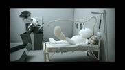 Vodafone Musical Greetings - Injured Zoozoo in bed
