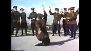 Русский народный танец Казачок_ Лизгинка отдыхает_.flv