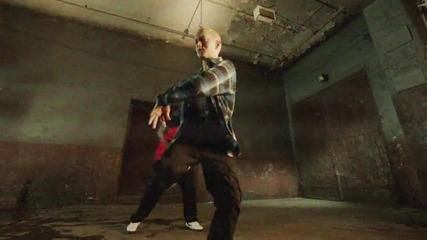 2013 Eminem - Berzerk (official) (explicit)