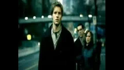 Nickelback - Savin`me (превод)