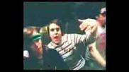 Zac И Josh От Paramore Танцуват