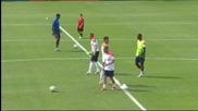 Стотици фенове изгледаха втората тренировка на Холандия в Бразилия
