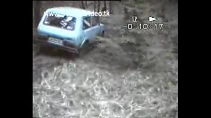 Jeep Vs Lada Niva