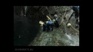 Мъж прави опасен скок от 58,8 метров водопад !