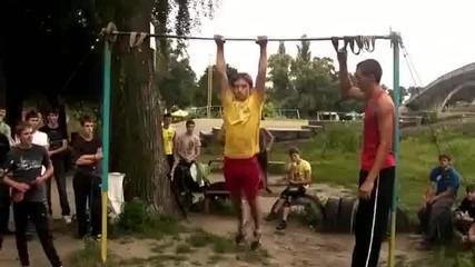 Уличен фитнес-лостове
