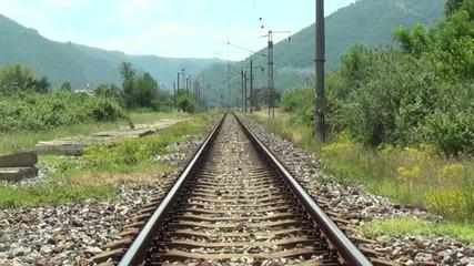 Влак блъсна овчар край Симитли