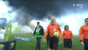 Отложиха началото на мач във Франция заради хвърлени сигнални ракети на терена