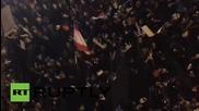 """Ливан: Дрон кръжи на хиляди протестиращи под надслов """"Смърдиш"""" в Бейрут"""