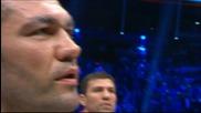 Кобрата пее химна преди мача с Кличко