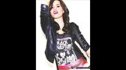 Demi Lovato - Skyscraper (lyrics) + снимки на Деми