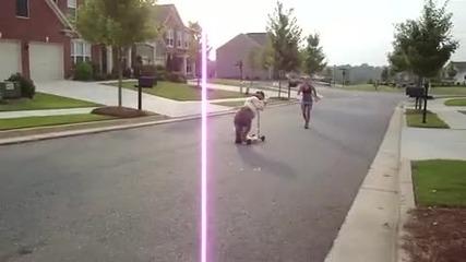 Смешно куче кара скутер