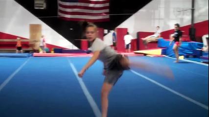 Момиче показва страхотен талант !!!! - Mackensi Emory