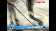 Господари на ефира 24/06/2009 [смях] Чешки селяни си направили багер въртележка...