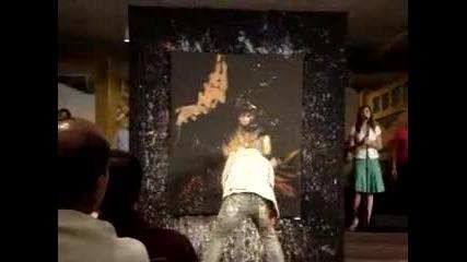 Изумително Пич Рисува Христос.