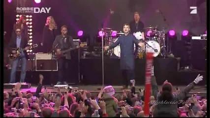 Robbie Williams - Feel Live in Berlin 2009