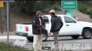 Момче даде 100 долара на бездомник и бе изненадан какво се случи